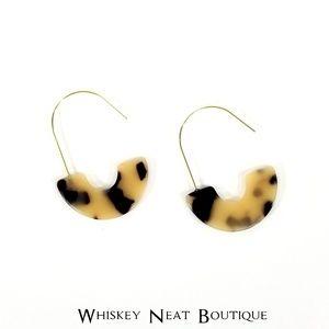 Jewelry - Acrylic Resin ‼️2/$25❗Tortoiseshell Drop Earrings